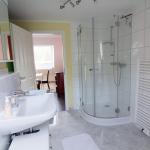 Ferienwohnung Spay - Bad mit Dusche